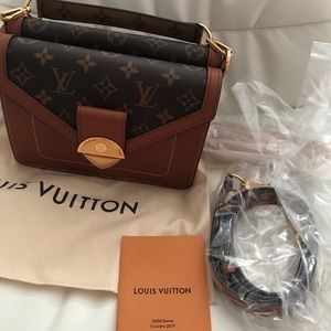 Louis Vuitton Reverses Biface MNG Bag